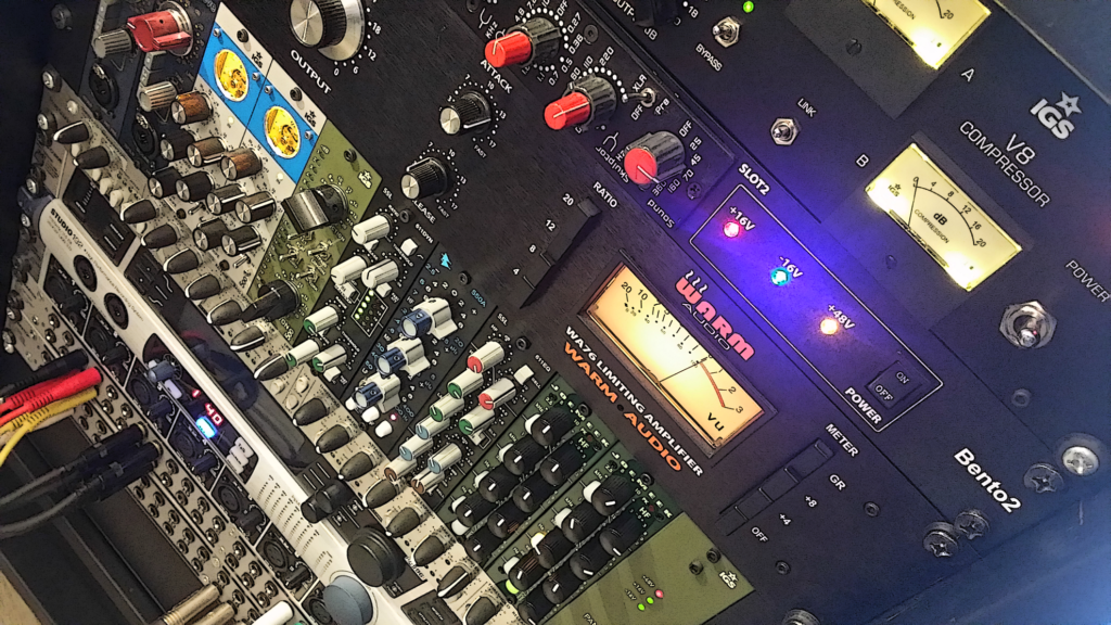 Outboard rack