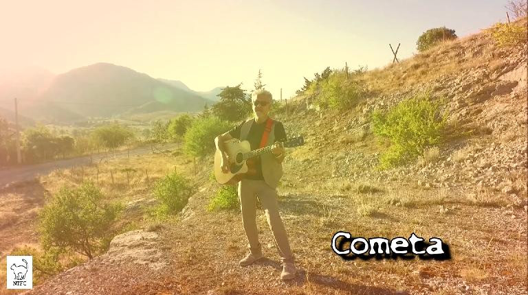 Stefano playing Cometa